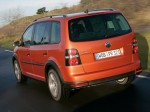 volkswagen-cross-touran-07