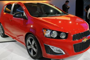 03-2013-chevrolet-sonic-rs-detroit