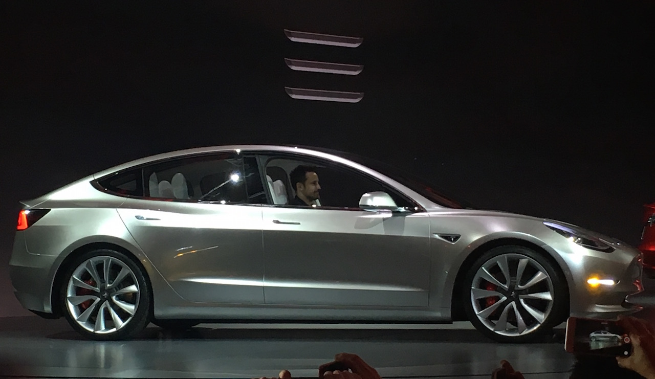 Tesla_Model_3_5